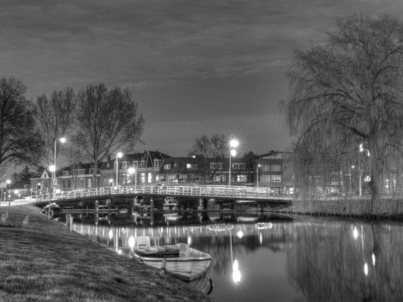Relaxing in Leiden, by Pietro Giordiano